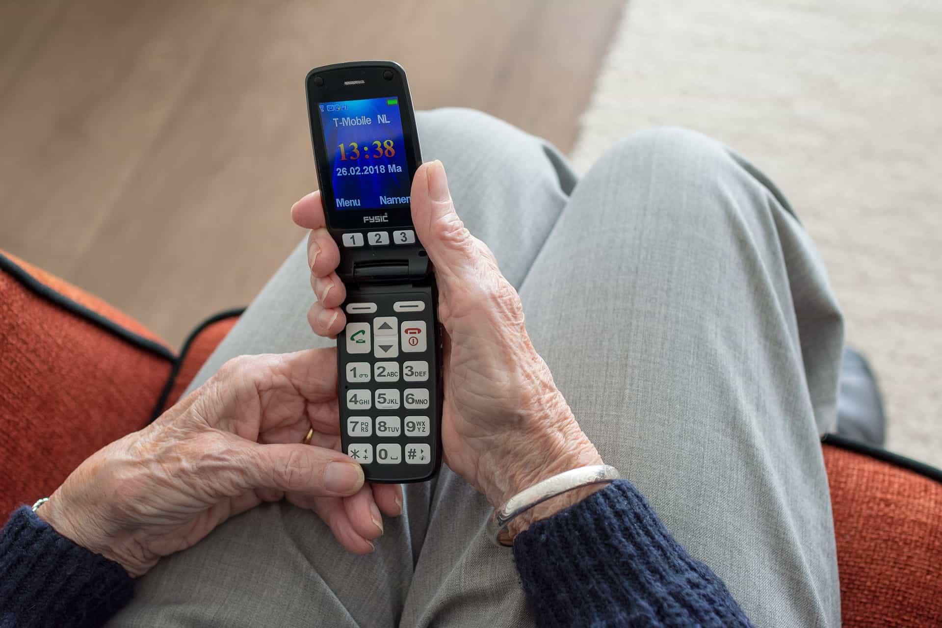 Seniorenhandy: Test & Empfehlungen (01/21)