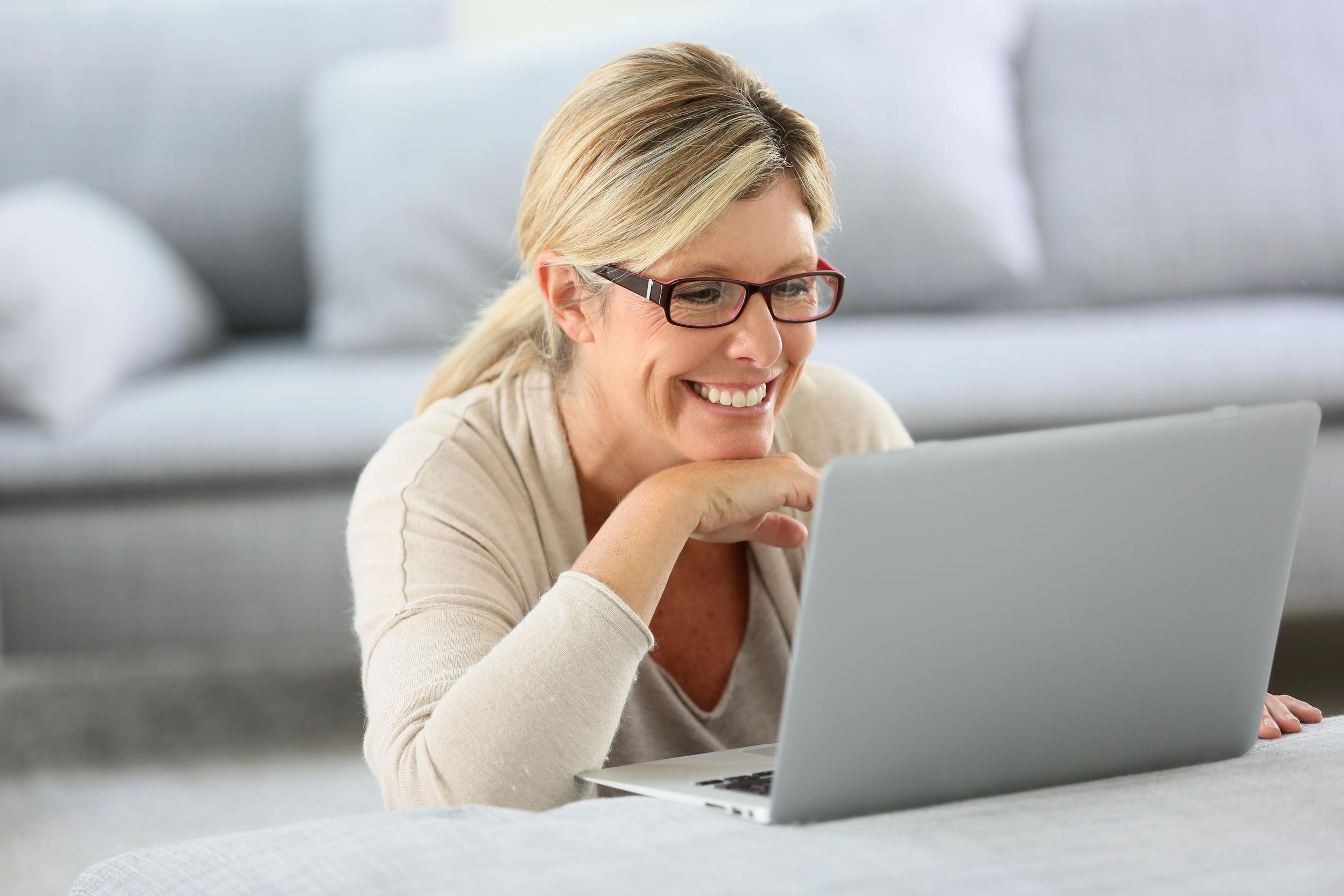 Blaulichtfilter Brille: Test & Empfehlungen (07/21)